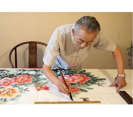 石開老師正在創作牡丹作品