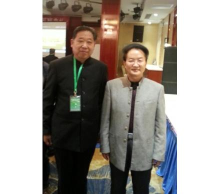 與著名書法家、北大教授王岳山先生合影