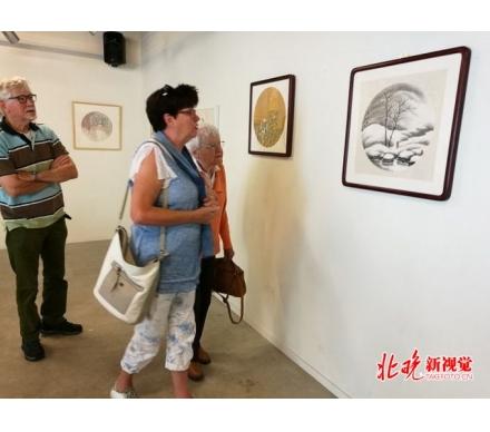 吳大愷山水畫在梵高之家博物館展出