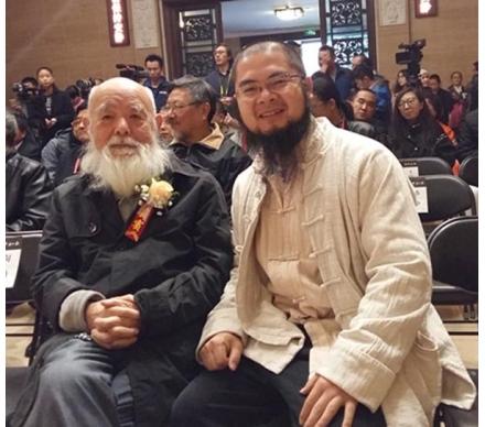 著名文化學者柯文輝先生和吳大愷合影