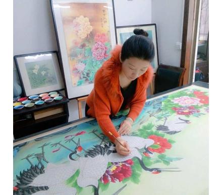 蕭紅老師正在為定制客戶創作作品