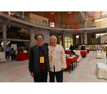 與臺灣書畫協會理事長,兩岸和平文化藝術聯盟副主席高明達筆會現場合影