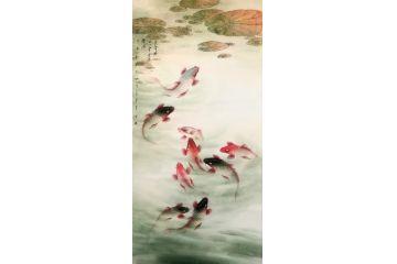 中美協會員藍健康四尺豎幅九魚圖《魚躍清池上 風定綠無波》